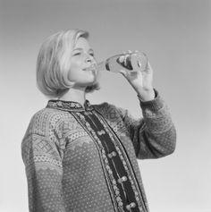 Reklamefoto for appelsindrikk, E.C. Dahls Bryggeri.