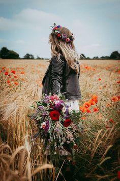 High Summer Wedding Inspiration From Irelands Top Wedding Suppliers Braut In Lederjacke