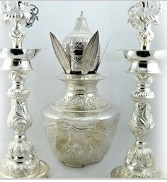 kalasham Silver Jewellery Indian, Silver Jewelry, Beaded Jewelry, Metalarte, Silver Pooja Items, Pooja Room Door Design, Silver Lamp, Stackable Wedding Bands, Puja Room