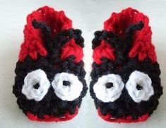HOW TO CROCHET LADY BUG SLIPPERS. brings you this video so you can make these cute LADYBUG slippers. The pattern is available for sale in my pattern shop. It includes all sizes from baby to adult large. Heres the link: . Crochet Baby Booties, Crochet Shoes, Crochet Slippers, Knit Crochet, Red Slippers, Baby Slippers, Crochet Things, Crochet Stitches, Easy Crochet Patterns