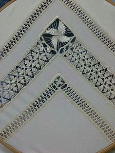 Resultado de imagen de hardanger embroidery Embroidery Designs, Types Of Embroidery, Learn Embroidery, Japanese Embroidery, Hand Embroidery Stitches, Embroidery Techniques, Cross Stitch Embroidery, Cross Stitches, Bordado Popular