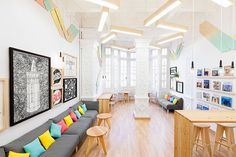 iDesignMe-2Day Langauges Spanish School-3 http://idesignme.eu/2013/07/2day-langauges-spanish-school-valencia/ #design #interiors #interiordesign #wood #pinewood #table #written #colors #white #colonial #furniture