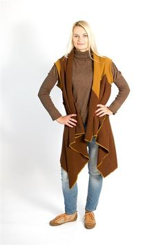 Brown and yellow shaded woollen cardigan features in front light drapes, short sleeves and beautified with contrasting color seams. The cardigan may be turned upside down and you will get a shorter with more front drapes cardigan.