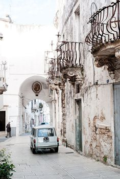 Italy | Lucea Row