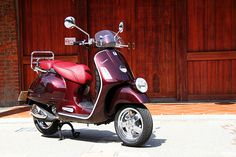 Vespa【試車報導】遊刃有餘!GTV 300 ie不疾不徐一甲子 - CarStuff 人車事 Vespa Gtv, Vespa Super, Pocket Bike, Small Cars, Vehicles, Scooters, Motorcycles, Men's Fashion, Star