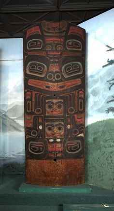 House Posts (4) Klukwan (Id: 31-29-15.jpg) Culture: Tlingit. Clan: Kaagwaantaan, Finned House. Place: Klukwan. Date collected: 10/30/1930. Material: Wood, pigment. Width: 85.3 cm. Length: 224.5 cm.