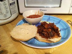 Slow Cooker Pulled Pork and Root Beer Sandwiches