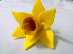 felt flowers | An Attempt At Making Daffodil Felt Flower
