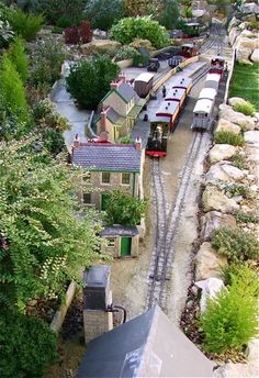 Summerlands Light Railway (CB) - Garden Railway Club