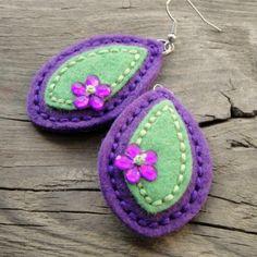 Slzy zahrad mystických náušnice kytky kytičky vyšívané kolečka filc crochetka