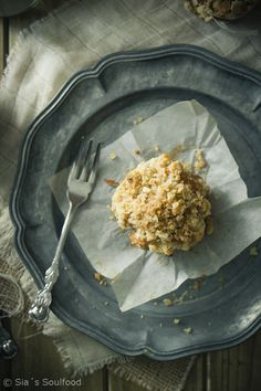 Birnen-Streusel-Muffins I Pear crumble muffins