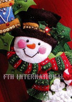 Bucilla Christmas Toys Wreath Felt Home Decor Kit 86363