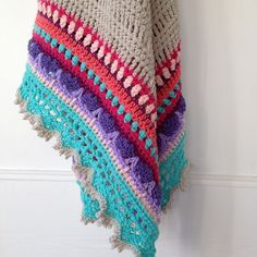 Ravelry  Sunday Shawl pattern by The Little Bee ~ Alia Bland 43496c1af