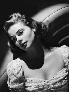 Ingrid Bergman (1915–1982) was renowned for the beauty, charm and strength she brought to the characters she played on film and the stage. An international star who won three Academy Awards, Bergman was both a celebrated icon of Hollywood's Golden Age, and the subject of gossip and tabloid press smears owing to her affair and marriage in the 1950s with Italian director Roberto Rossellini. #famous_people #decolletage #vintagephoto