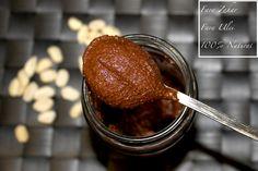 Unt de Arahide cu Aroma de Ciocolata, fara zahar, fara ulei si 100% natural. Aveti nevoie doar de un blender si dorinta, si o sa va delectati cu un Unt de Arahide cu Aroma de Ciocolata fara cusur! Unt, Chocolate Fondue, Healthy Recipes, Healthy Food, Sweets, Cooking, Desserts, Delicious Food, Roman