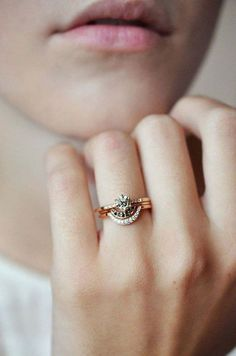 Bona Drag engagement ring