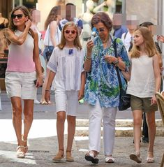Queen Sofia, Queen Letizia, Princess Leonor and Infanta Sofia went for a walk in the downtown of Palma de Mallorca Princess Of Spain, Princess Sofia, Wedding Bible, Spanish Royal Family, Wedding Background, Queen Letizia, Girl Outfits, Daughter, Womens Fashion
