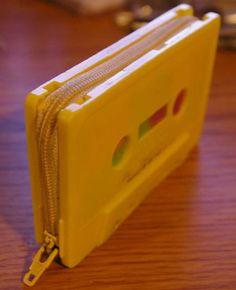 Monedero con cinta de cassete                                                                                                                                                                                 Más