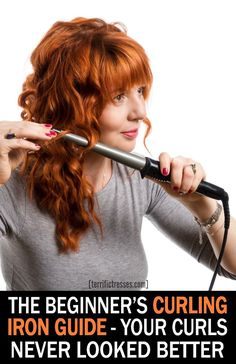 Do you feel knowing how to curl your hair with a curling iron is a more advanced styling skill? Thought so. It's especially hard for beginners what wi. Curling Iron Tips, Waves With Curling Iron, Soft Curls, Loose Curls, Loose Waves, Curling Iron Hairstyles, Curled Hairstyles, Damp Hair Styles, Short Hair Styles