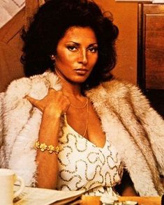 a celebration of fabulous femme folks who look just as tough as they do fly and a plethora of hard. Vintage Black Glamour, Vintage Beauty, Vintage Fashion, Vintage Style, 1974 Fashion, Fur Fashion, Black Actresses, Black Goddess, Provocateur