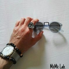 ••• Essentials ••• Lo stile di Giacomo con Accessori MèMè Lab. www.memelabaccessori.com