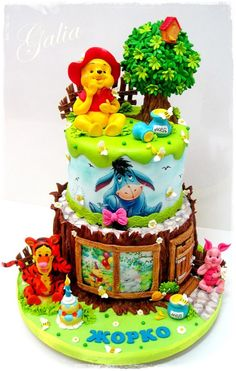 Winnie the Pooh and friends - Cake by Galia Hristova – Art Studio - CakesDecor Pretty Cakes, Beautiful Cakes, Amazing Cakes, Unique Cakes, Creative Cakes, Cupcakes, Cupcake Cakes, Winnie The Pooh Cake, Friends Cake
