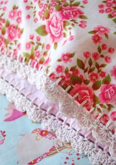 pillowcase with crochet trim Fancy me Calico by rosehip on Etsy Crochet Trim, Crochet Lace, Vintage Cotton, Vintage Roses, Vintage Floral, Crochet Pillow Cases, Cute Cottage, Crochet Humor, Vintage Sheets