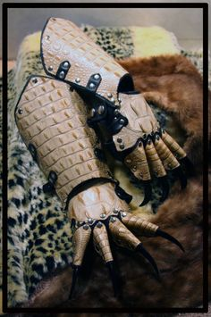 Leather Armor bracers gauntlet Claws