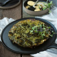 Spirulina is not only for your smoothies! Make this mega energising brekkie by supercharging your frittata with beta-carotene, chlorophyll, iron and Vitamins B1