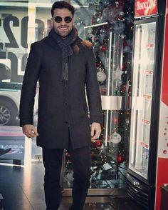 Στυλαραααα μου ❤ Luke Evans, Gq, Singers, Greek, Handsome, Nice, Coat, How To Wear, Jackets