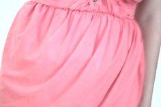 Mályva színũ ruha