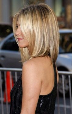 Jenifer Aniston blonde bob hair style