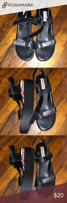 Black Platform Sandals Great condition. Comfortable and super summery. Steve Madden Shoes Platforms