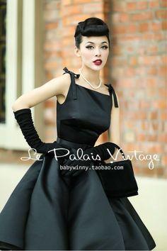 Le Palais Vintage elegant retro classic Hepburn silk high waist puff dress/ ball gown-in Dresses from Women's Clothing Vestidos Vintage, Vintage Dresses, Vintage Outfits, Rockabilly Fashion, Retro Fashion, Vintage Fashion, Classy Fashion, Party Fashion, Moda Vintage