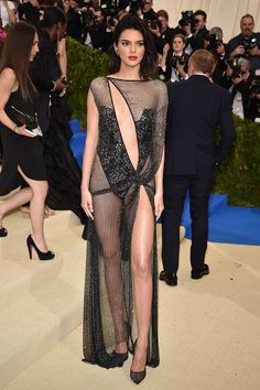 Kendall Jenner has an affinity for the sheer, naked dress, and these are the best (and most memorable) ones she's ever worn. Kendall Jenner Dress, Kendall Jenner Makeup, Gala Gowns, Gala Dresses, Maquillage Kendall Jenner, Jenner Girls, Red Carpet Fashion, Bikini, Laverne Cox