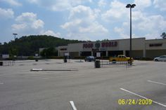 Food World in Pell City...always loved shopping there.  Building was renovated and now houses Burke's Outlet, Goody's and Farmer's Furniture.  Glad it was revamped and didn't just sit there empty.