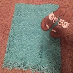 Teal skirt Gorgeous real  skirt. Perfect for Spring and Summer -gently worn Skirts Midi