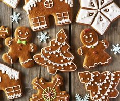Lebkuchen Kekse Your house will smell wonderful when they bake these gingerbread biscuits. Easy Gingerbread Cookies, How To Make Gingerbread, Christmas Gingerbread, Holiday Cookies, Holiday Desserts, Gingerbread Men Icing, Vegan Gingerbread, Christmas Markets, Holiday Foods