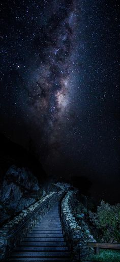 THE MILKY WAY * Stairway to heaven. Hiking during the day lets you see many natural wonders. Camping for the night provides your soul with refreshment. There is nothing bad about communing with Mother nature. Beautiful Sky, Beautiful World, Beautiful Places, Beautiful Pictures, Stairway To Heaven, Sky Full Of Stars, 3d Fantasy, Photos Voyages, To Infinity And Beyond