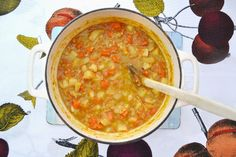 Tinned Tomatoes: Parsnip, Carrot & Lentil Soup - Looks. Like a good comforting one! Check SW advice using olive oil though. Low Calorie Vegetarian Recipes, Veggie Recipes, Diet Recipes, Cooking Recipes, Healthy Recipes, Recipies, Vegetarian Meals, Healthy Foods, Healthy Eating