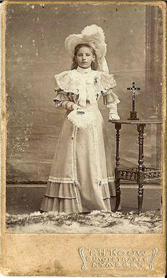 Photograph P.H.Kouw , Nijmegen.Mien van Gemert 13-12-1895. Collectie: Marianne Cobussen