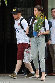 The singer was all smiles as he spent the July 4 American holiday in New York City with girlfriend Cherry Seaborn, on Tuesday. Cherry Seaborn, Ed Sheeran Love, Holidays In New York, Extended Play, All Smiles, Record Producer, I Love Him, Good Music, Actors