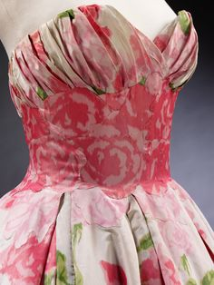 Balmain Dress - detail - SS 1957 - by Pierre Balmain (French, 1914-82) - Victoria and Albert Museum - @~ Watsonette