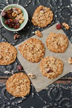 Oatmeal Date Cookies (vegan + gf) // perfectly crisp on the edges while still soft and chewy in the middle!