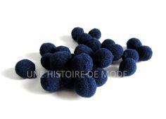 35 petits pompons ronds 10 mm à coudre ou coller de couleur bleu marine - CP245