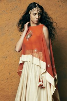Buy Kunza Designer Dresses, Lehenga Sarees, Anarkali Suits, Kurta Pants, Crop Top Online From Perniaspopupshop Fashion Store. Indian Gowns, Indian Attire, Indian Wear, Indian Outfits, Country Look, Party Make-up, Diva Fashion, Fashion Design, Anarkali