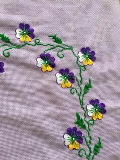 This Pin was discovered by HUZ Embroidery On Kurtis, Kurti Embroidery Design, Basic Embroidery Stitches, Embroidery Works, Hand Embroidery Designs, Cross Stitch Embroidery, Cross Stitch Borders, Cross Stitch Flowers, Cross Stitch Designs