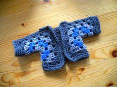 Vestje van twee zeshoekige granny's / Cardigan out of two hexagonal granny's by evanstra, via Flickr