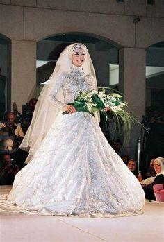 df26b2183eb8b فساتين زفاف للمحجبات هانى البحيرى