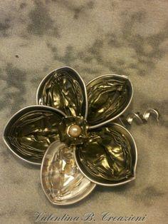 Nespresso Flower by Valentina B. Creazioni. Use it as a brooch or a pendant